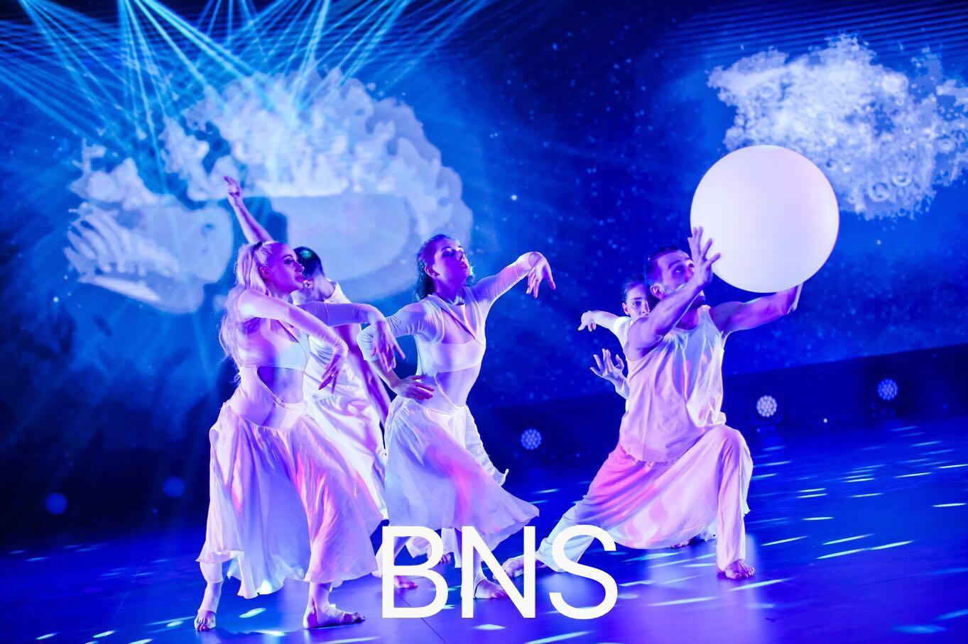外籍高端现代舞表演