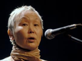 图瓦共和国国宝级歌手Sainkho Namtchylak -Stepmoth