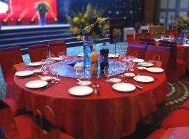 桌椅、物料租赁|鼎国传媒与您携手共赢!